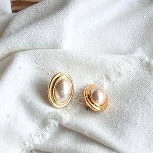 Vintage Oval Goldtone Faux Pearl Earrings